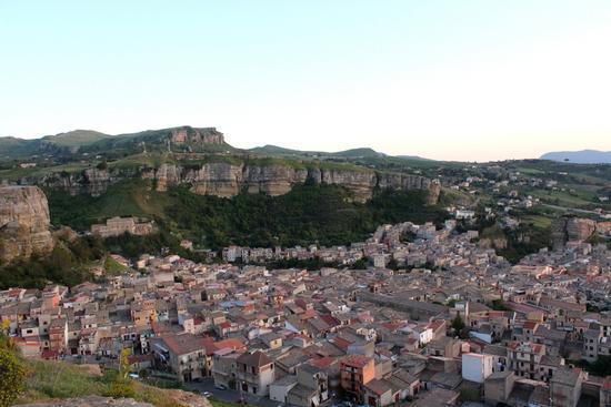 Il centro storico di Corleone... - CORLEONE - inserita il 09-May-12