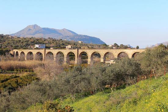 Viadotto Mortilli ex linea ferrata... - MISILMERI - inserita il 28-Mar-12