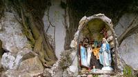 Cappella ai piedi di Rocca Busambra... Cappella molto particolare ai piedi di Rocca Bucambra lungo il sentiero di Valle San Giorgio . . .  - Ficuzza (3150 clic)