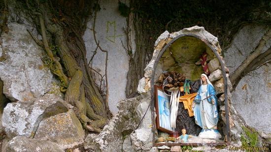 Cappella ai piedi di Rocca Busambra... - FICUZZA - inserita il 07-Mar-13