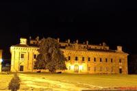 Real Casina di caccia . . . La Real Casina di Caccia fu costruita nel parco della Ficuzza, a partire dal 1799 per il re Ferdinando IV di Borbone, e si caratterizza per la sua facciata rettangolare e severa...  - Ficuzza (4498 clic)