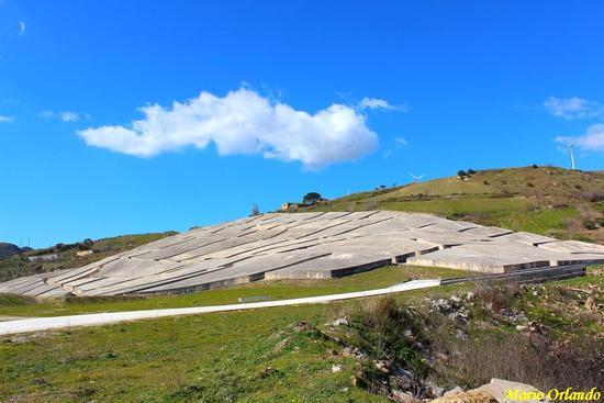 Il Grande Cretto di Burri... Ruderi di Gibellina... - GIBELLINA - inserita il 22-Feb-12