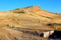 Abbeveratoio ai piedi di Monte Cardellia... Antichissimo abbeveratoio, situato a circa 1100m slm nella conca tra Barracù e Monte Cardellia...  - Corleone (3567 clic)