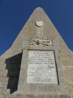 Obelisco commemorativo della spedizione dei mille. Da qui Garibaldi con i suoi mille partì per liber