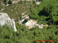 Cava Grande del Cassibile - Uruvu tunnu visto dall'alto (Timpa ca tona).  - Avola (4493 clic)
