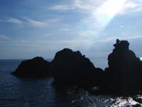 La scogliera lavica di fronte ai Faraglioni  - Aci trezza (2957 clic)