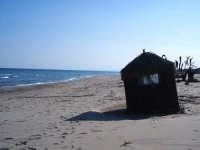 La Plaja in Febbraio - capannina sulla sabbia  - Catania (2613 clic)