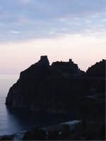 Il Castello Saraceno-Normanno (XI° sec.)  - Sant'alessio siculo (6555 clic)