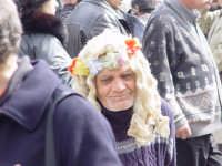 Domenica al mercato delle pulci. Venditore ambulante  - Catania (5174 clic)