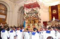 URNA ARGENTEA DEL PATRONO DELLA CITTA' SANT'ANGELO PORTATO A SPALLA DAI MARINAI IN CHIIESA MADRE.  - Licata (4243 clic)