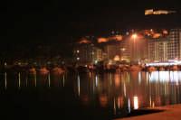 Passeggiando una sera d'Agosto al porto di Licata dopo una bella cenetta a base di pesce.  - Licata (3701 clic)