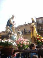processione dei miracoli o dello Spirito Santo; nella foto la Madonna del Rosario e San Nicola; Gang