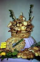Tutti gli anni, a Salemi,il giorno di S.Giuseppe, i lavoratori del pane si sbizzarriscono a coniare le forme più disparate di questo primario alimento.    - Salemi (3998 clic)