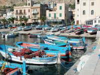 Essenzialmente nasce come borgo marinaro a 12 Km. da Palermo, oggi e'una delle localita' balneari tr