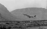 Un aereo in partenza  - Punta raisi (10009 clic)