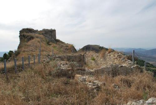 Castello di Calatamauro - CHIUSA SCLAFANI - inserita il