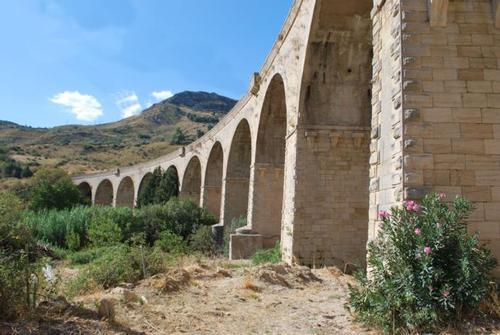 Ponte tredici luci - CHIUSA SCLAFANI - inserita il