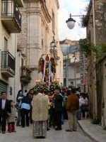 Processione per la riapertura della Chiesa Di San Michele 8 maggio 2009  - Chiusa sclafani (4145 clic)