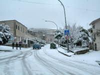 Via Europa (Largo Conte) sotto la neve 13 febbraio 2009  - Chiusa sclafani (3730 clic)