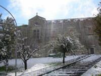 Salita Collegio sotto la neve 13 febbraio 2009  - Chiusa sclafani (3344 clic)