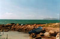 La costa di Birgi e sullo sfondo l'isola di Favignana  - Birgi (6396 clic)