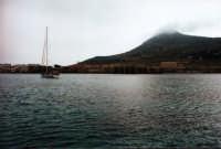 Vista del porto di Favignana  - Favignana (2039 clic)