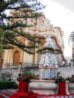 Fontana D'Ercole -infiorata 08  - Noto (2156 clic)