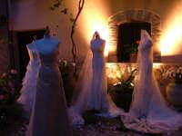 Tranquilli, non sono fantasmi ma splendidi abiti da sposa!  - San mauro castelverde (1777 clic)