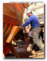 una fase della costruzione di un peschereccio  - Licata (2670 clic)