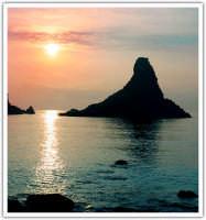 Alba sul mare ad Acitrezza (CT)  - Aci trezza (11239 clic)