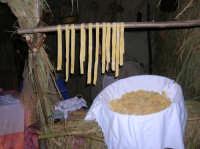 Le tagliatelle fatte a mano nel presepe vivente 2009  - Corleone (4405 clic)