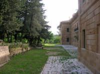 Un giardino alle spalle del palazzo Reale  - Ficuzza (7062 clic)