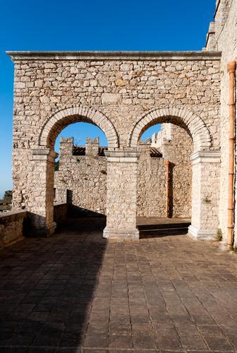 Geometrie del castello di Caccamo - CACCAMO - inserita il 09-Jan-12