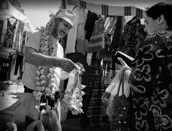 Al mercato - TERMINI IMERESE - inserita il 26-Aug-13