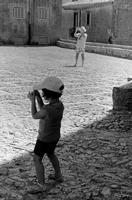 due generazioni di fotografi   - Erice (2555 clic)