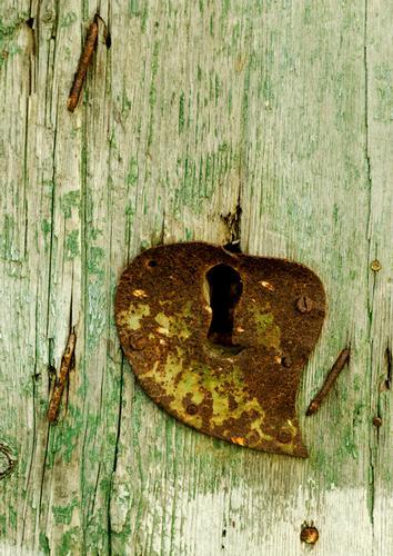 ieri la toppa dell'amore oggi il lucchetto - SAN CATALDO - inserita il 23-Apr-12