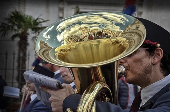 momenti della processione della Real Maestranza - CALTANISSETTA - inserita il 18-Apr-14