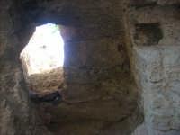 Sul percorso Guya Trekking 2008 Scala in pietra sul monte Cofano dove probabilmente si trovava l'antica Makara   - Castelluzzo (3091 clic)