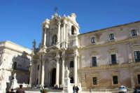 Piazza Duoma e Cattedrale   - Siracusa (4099 clic)
