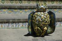 Particolare della scala con pezzo ceramico CALTAGIRONE GIUSEPPE RANNO