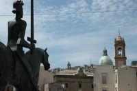 Statua di Gualtiero da Caltagirone   - Caltagirone (2414 clic)