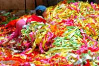 Festa di San Paolo bimba e fettucce colorate  - Palazzolo acreide (2263 clic)