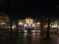 Piazza Politeama di notte,veduta dal Palchetto della musica.  - Palermo (6430 clic)