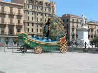 Carro di S.Rosalia 2003:esposizione del Comune a Piazza Politeama. PALERMO Paolo Naselli