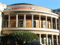 Teatro Politeama, il colonnato. PALERMO Paolo Naselli
