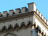 Edificio in Via Gaetano Daita, particolare del cornicione. PALERMO Paolo Naselli