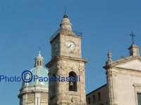 La Cattedrale: veduta della torre sinistra e della cupola.  - Caltanissetta (1915 clic)