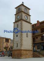 Villapriolo (fraz. di Villarosa). La torre dell'orologio nella piazza del paese.  - Villarosa (4482 clic)