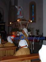 Venerdì Santo 2009: l'attesa prima della Via Crucis all'interno della Chiesa dell'Immacolata Concezione.  - Villarosa (3450 clic)