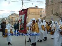 Venerdì Santo 2009: la Confraternita di S. Barbara all'inizio della Via Crucis.  - Villarosa (3930 clic)